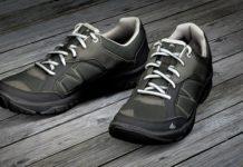 chaussures de sport adaptées